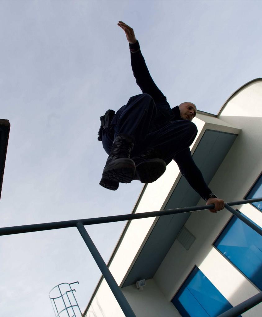 Intervent koncerna Sintal skace cez ograjo