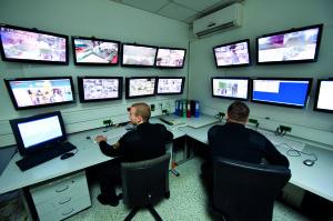 Varnostno-nadzorni center družbe za varovanje Sintal vsakodnevno obdela ogromno število podatkov o sproženih alarmih, izklopljenih sistemih, ...