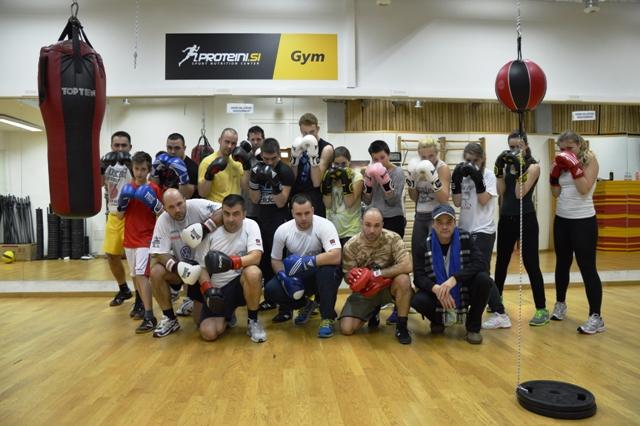 Hayat boks klub varnostniki policija trener boksa